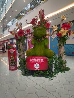 Decoración Navideña del Centro comercial El Edén en Bogotá Christmas Ornaments, Holiday Decor, Home Decor, Shopping Mall, Gardens, Colombia, Xmas, Xmas Ornaments, Homemade Home Decor