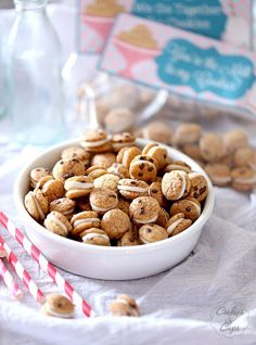 Cookies and Milk Snack Mix ~ Cookies and Milk Snack Mix and FREE PRINTABLE ~ A simple Snack Mix made with Cookie Crisp Cereal sandwiched together with white chocolate! Poppable, cute and simple!