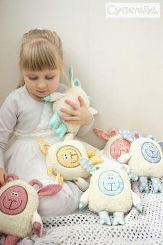 Sheep Art, Pillow Forms, Softies, Arts And Crafts, Pillows, Toys, Children, Cute, Bari