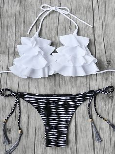 Online shopping for Flounce Detail Tassel Tie Bikini Set from a great selection of women's fashion clothing & more at MakeMeChic. Cute Swimsuits, Cute Bikinis, The Bikini, Bikini Tops, Bikinis Lindos, Mode Du Bikini, Cute Bathing Suits, Bikini Fashion, Fashion Outfits
