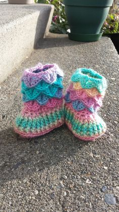 Crocodile Stitch Baby Booties #crocodilestitch