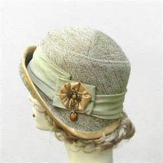 Women's Vintage Cloche Hat / secondshoutout.com