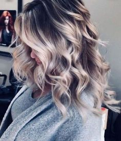 Awesome Balayage Hair Color Ideas For 2019 - haare - couleur de cheveux Brown Hair Balayage, Brown Blonde Hair, Light Brown Hair, Hair Color Balayage, Gray Hair, White Hair, Dark To Blonde Balayage, Dark Brown Hair With Blonde Highlights, Balayage Hairstyle