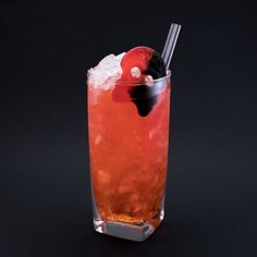 Hallon-Lakrits Drink Recept Summer Drinks, Cocktail Drinks, Cold Drinks, Cocktail Recipes, Beverages, Food N, Good Food, Food And Drink, Mango Margarita