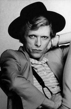 vezzipuss.tumblr.com — David Bowie, Photo @ Terry 0'Neill, Circa 74