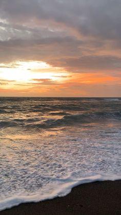 Beautiful Beach Pictures, Beautiful Photos Of Nature, Beautiful Nature Wallpaper, Beautiful Places To Travel, Beautiful Sunset, Nature Pictures, Beautiful World, Beach Sunset Wallpaper, Ocean Wallpaper