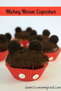 Do It Yourself Mickey Mouse Cupcakes #mickeymouse #disney #birthdayparty - Domestic Mommyhood
