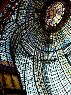"""time-for-tea-and-crumpets: """" Art Nouveau stained glass cupola in the tearoom, Printemps department store, Paris, France """" Beautiful Architecture, Beautiful Buildings, Art And Architecture, Architecture Details, Beautiful Places, Installation Architecture, Religious Architecture, Stained Glass Art, Stained Glass Windows"""