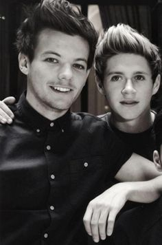 Oooh louis and niall! *Goes quietly into a corner and starts sobbing*