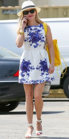 Casual Vintage Inspired Porcelain Floral A-line Party Flare Dress - at a reasonable price!