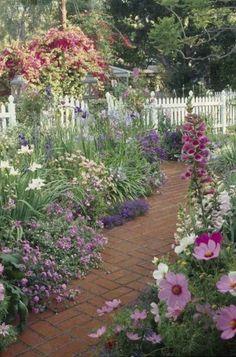 88 Beautiful Front Garden Cottage Garden Inspiration Ideas – Famous Last Words Small Cottage Garden Ideas, Garden Cottage, Garden Types, Garden Paths, Garden Beds, Walkway Garden, Hillside Garden, Brick Garden, Garden Art