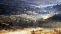 Le colline di Cupramontana (AN) immerse nella nebbia. Foto by Pietro Cerioni