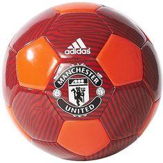Manchester United Fußball Fan    Mit der Manchester United Fußball Fan bist du bestens für deine sportlichen Aktivitäten oder fürs Stadion gerüstet. Die Manchester United Fußball Fan zeigt anderen was du für ein FAN bist!    Hersteller: adidas  Team: Manchester United  Material: 100% Polyester...