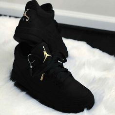 Choosing A New Pair Of Sneakers. Looking for more information on sneakers? Then White Fila Sneakers Outfit Choosing information Pair Sneakers Jordan Shoes Girls, Girls Shoes, Shoes Women, Michael Jordan Shoes, Cute Sneakers, Black Shoes Sneakers, Sneakers Sale, Men Sneakers, Casual Shoes