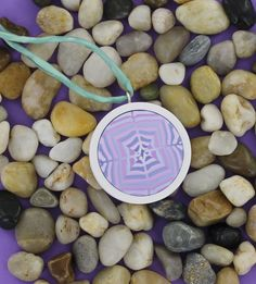 Easy molded pendant #Polymer #Clay #Tutorials