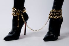 Bondage ankle cuffs made of interlocking chains. Latex woven in through chain. O-rings and lock & key details. Stilettos, High Heels, The Wicked The Divine, Yennefer Of Vengerberg, Mode Shoes, Fetish Fashion, Rachel Zoe, Looks Cool, Mode Inspiration