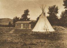 A Piegan Home (The North American Indian, v. VI. Cambridge, MA: The University Press, 1911)