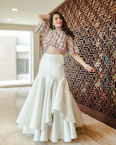 Latest Collection of Lehenga Choli Designs in the gallery. Lehenga Designs from India's Top Online Shopping Sites. Indian Gowns Dresses, Indian Fashion Dresses, Dress Indian Style, Indian Designer Outfits, Indian Wedding Gowns, Stylish Dress Designs, Designs For Dresses, Stylish Dresses, Stylish Dress Book
