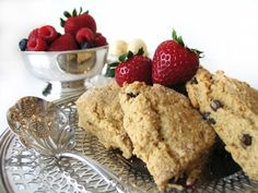 Lexie's Kitchen's Gluten Free Dairy Free Egg Free Soy Free Vegan Scones - Looking for gluten free scones recipes? Lexie's Kitchen shares her gluten free, dairy free, egg free scones! Allergy free treat the whole family can enjoy! Gluten Free Pastry, Gluten Free Biscuits, Gluten Free Baking, Vegan Gluten Free, Vegan Baking, Paleo, Dairy Free Scones, Vegan Scones, Dairy Free Eggs