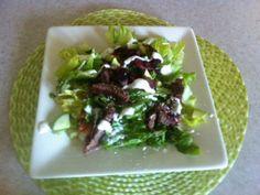 Black and Blue Steak Salad - great salad for summer cooking Budget Dinners, Dinner On A Budget, Healthy Dinners, Healthy Recipes, Steak Salad, Protein Pack, Salad Ingredients, Salads, Salad