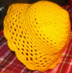 Sunny hat pattern.  Lots of free patterns!
