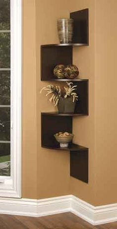 Building some DIY corner shelves might be a great idea for your next weekend project. Corner shelves are a smart solution for your small space. If you want to have shelves but you don't want to be too much on . Corner Wall Decor, Diy Corner Shelf, Corner Wall Shelves, Wall Shelf Decor, Wall Shelves Design, Diy Wall Shelves, Wall Mounted Shelves, Hanging Shelves, Floating Shelves