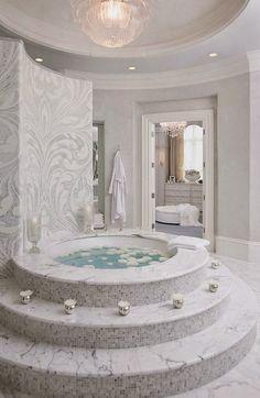 Opulent Baths http://www.theopulentlifestyle.info/2014/08/opulent-baths.html