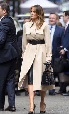 La somme mirobolante que Melania Trump a dépensé pour sa garde-robe en 2019 ! Melania Trump Dress, First Lady Melania Trump, Classy Outfits, Chic Outfits, Fashion Outfits, Womens Fashion, Fall Fashion 2016, Autumn Fashion, Milania Trump Style