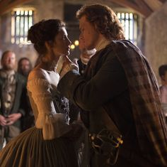 Jamie Fraser (Sam Heughan) and Claire Randall (Caitriona Balfe)