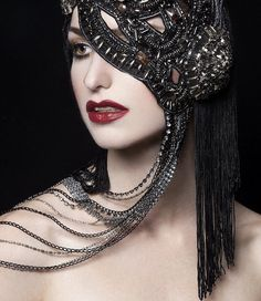 MADE TO ORDER Couture Maske Strass besetzt von PoshFairytaleCouture