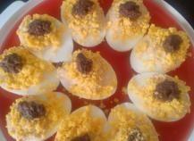 Recette - Oeufs mimosa à la betterave en pas à pas Mimosas, Sushi, Kiri, Muffin, Food And Drink, Breakfast, Ethnic Recipes, Crochet, Deviled Eggs Recipe