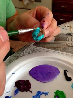 Dishfunctional Designs: Painting Acorns With Laura and Duane