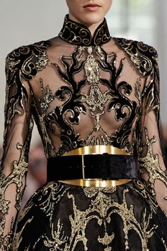 """In the collection notes, Elie Saab is quoted as saying, """"I was drawn to East Asia's rich culture. - In the collection notes, Elie Saab is quoted as saying, """"I was drawn to East Asia's rich culture… Source by foujanp - Fashion Week, Runway Fashion, High Fashion, Fashion Show, Womens Fashion, Fall Fashion, Fashion Beauty, Queen Fashion, Beauty Style"""