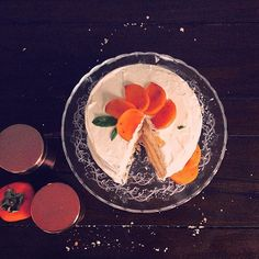 #foodporn #baking #bakingtime #oneyearofcake #clandestinecakeclub Camden Italian Pan di Spagna sponge cake with Sharon fruit, cinnamon and apple juice #pandispagna