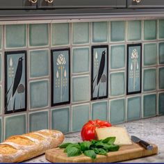 This classic Arts & Crafts kitchen is draped with luxurious Motawi field tiles and accented with Songbirds as they chirp to each other while the owner cooks. Craftsman Tile, Craftsman Kitchen, Bungalow Kitchen, Craftsman Interior, Kitchen Art, Kitchen Backsplash, Kitchen Ideas, Backsplash Design, Kitchen Reno