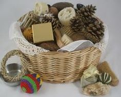 Flame: Creative Children's Ministry: God in Creche- helping children to enjoy being at church. About treasure baskets for babes and heuristic play for toddlers. Maximising on their God given creativeness.
