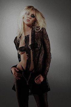 Taylor Momsen, Goth, Women, Style, Fashion, Gothic, Swag, Moda, Fashion Styles