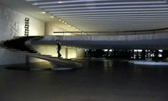 Escalera... Palacio de Itamaraty, palacio de.los arcos, en brasil Arquitecto: Oscar Niemeyer