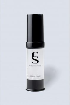 The primer for our face Sublime Primer, softens the appearance of pores and imperfections of the skin, while unifying the foundation. The perfect prep for all skin types, leaving an oil-free finish. Im Not Perfect, Facial, Foundation, Nail Polish, Base, Cosmetics, Vegan, Mugs, Beauty