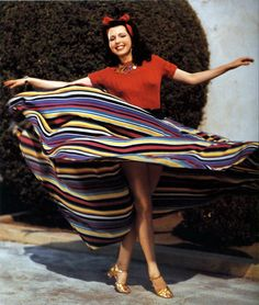 In grand dance on hollywod classic; yes is she beauty #AnnMiller