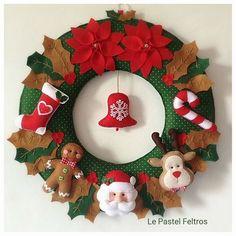 Linda guirlanda de Natal em feltro costurada a mão com muito carinho!