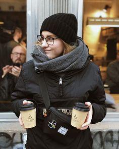 Nekonečná láska na dně každýho šálku  A chemex pin kvůli vzpomínce na skvělou coffee experience a taky na ten můj Berlín stále mému srdci nejbližší Winter Hats, Teen, Instagram, Fashion, Moda, Fashion Styles, Fashion Illustrations