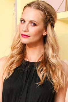 Red carpet hairstyle. Halo Braid - Poppy delevingne. celebrity hairstyle.