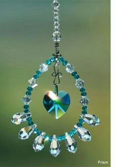 **don't know where this link leads to, SO BEWARE!** I've just pinned as craft example ♥**don't know where this link leads to, SO BEWARE!** I've just pinned as craft example ♥ Beaded Crafts, Beaded Ornaments, Wire Crafts, Jewelry Crafts, Wire Jewelry, Beaded Jewelry, Jewelery, Suncatchers, Diy Wind Chimes