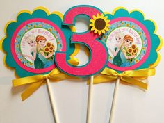 3 Frozen Fever Birthday Party Centerpiece by sweetheartpartyshop Frozen Themed Birthday Party, 4th Birthday Parties, Frozen Party, 2nd Birthday, Festa Frozen Fever, Frozen Princess, Ana Frozen, Frozen Summer, Birthday Party Centerpieces