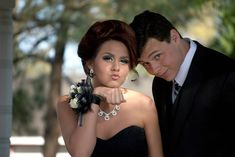 5 Reasons to Rent Limos for Prom Night