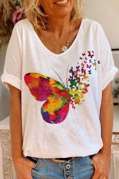 Trendy Clothes For Women, T Shirts For Women, Images Noêl Vintages, Shirt Bluse, Basic Tops, White Casual, Butterfly Print, Butterfly Shirts, Mode Outfits