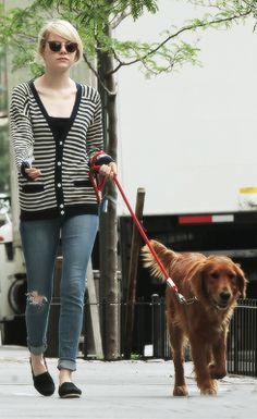 Emma Stone walking her dog Striped Cardigan, Emma Stone, Dog Walking, Distressed Jeans, Fashion Outfits, Womens Fashion, Autumn Winter Fashion, Casual Wear, Celebrity Style
