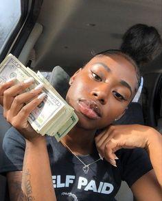 Pretty Black Girls, Beautiful Black Women, Vape, Money On My Mind, Dark Skin Girls, Black Girl Aesthetic, Brown Skin, Black Girl Magic, Clear Skin