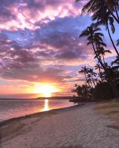 Photos To Inspire You To Visit Fiji. Most beautiful places to travel to in Fiji, Coral Coast, Yasawa Islands, Swim with Sharks. Beautiful locations in Fiji. Fiji Culture, Caribbean Culture, Beautiful Islands, Beautiful Sunset, Dream Vacations, Vacation Spots, Fly To Fiji, Visit Fiji, Travel